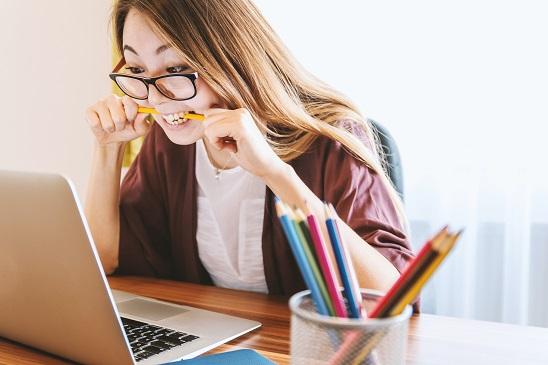 Estrategias para hablar sobre tu situación mental y emocional en el trabajo cuando todo te estresa