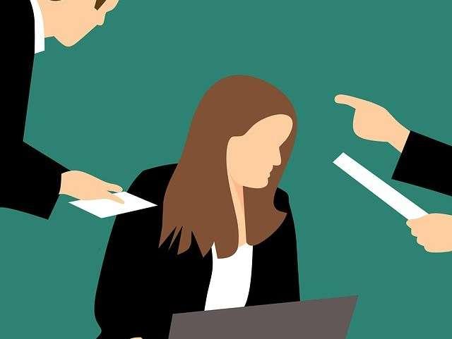 Ceremonia de degradación: una forma de acoso laboral