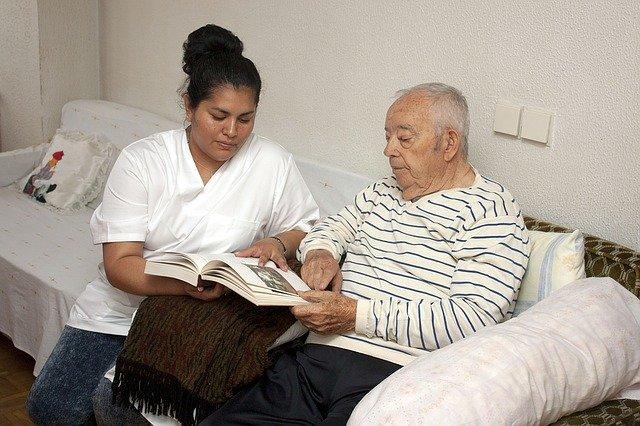 Las enfermeras estresadas y agotadas cometen más errores al atender pacientes